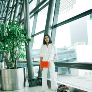 CHIC & COMFORTABLE AIRPORT OUTFIT